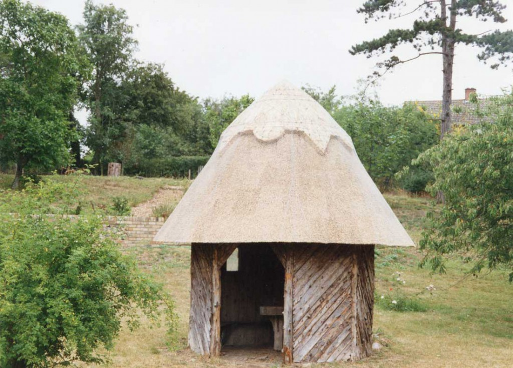 Thatched shelter in Bruisyard