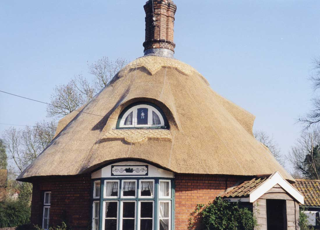 Thatched cottage in Easton