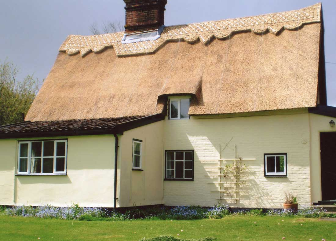 Thatched cottage in Huntingfield