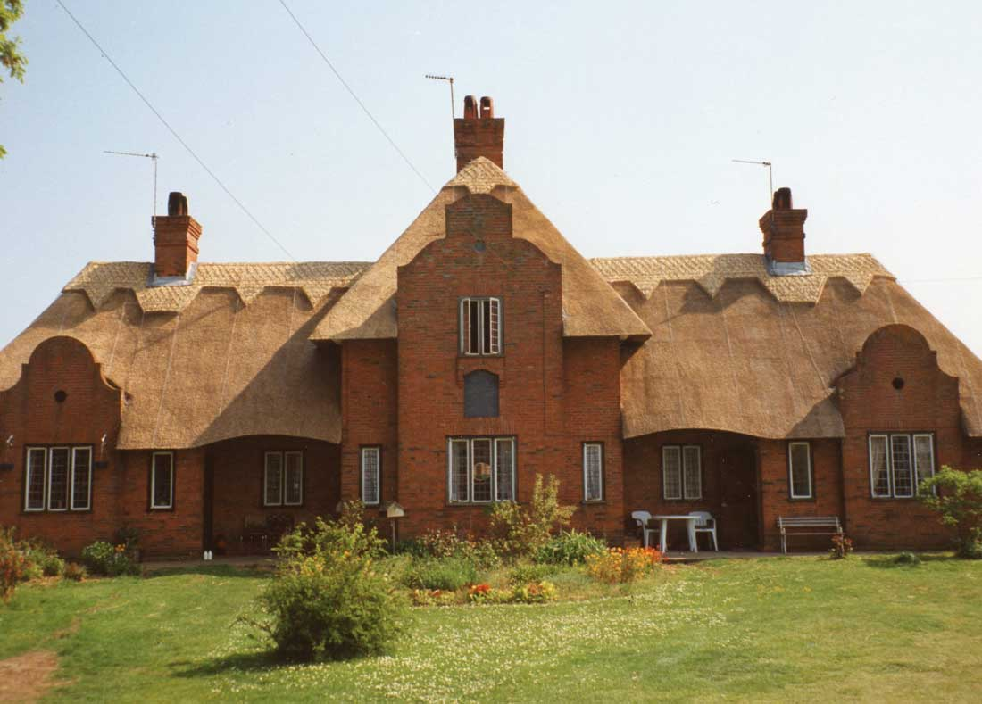 Thatched houses in Wangford